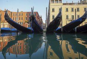 قایقهای ونیز زمینگیر شدند